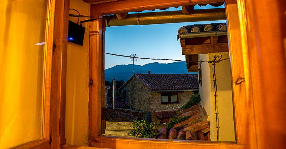 Alojamiento rural para parejas casa rural rom ntica con spa en aravalle - Casa rural romantica catalunya ...